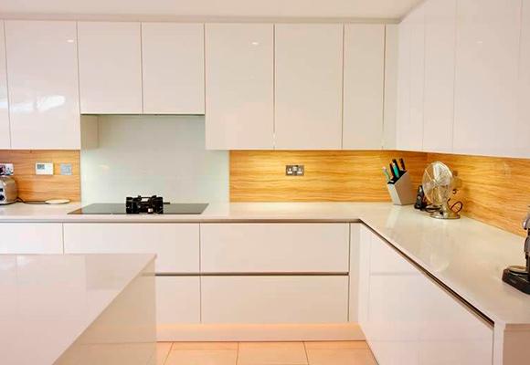 Paneles de vidrio para cocinas y salpicaderos - Laminados para cocina ...