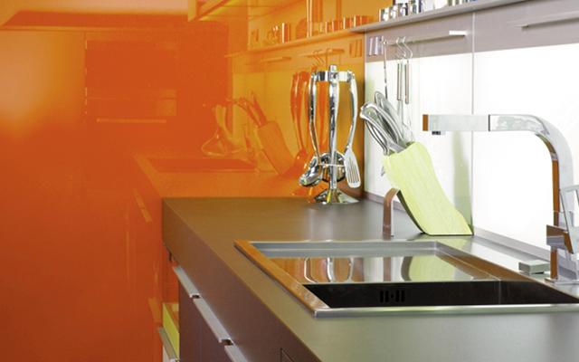 Paneles de vidrio para cocinas y salpicaderos for Panel de revestimiento para banos y cocinas
