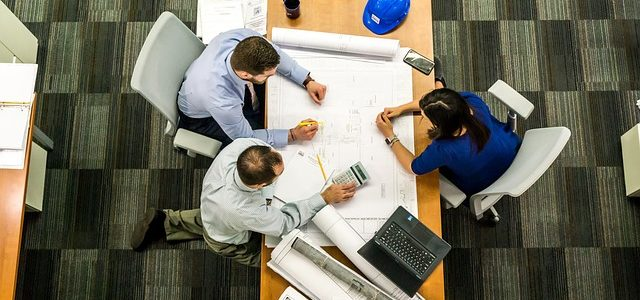 Dividir las áreas de trabajo de una oficina